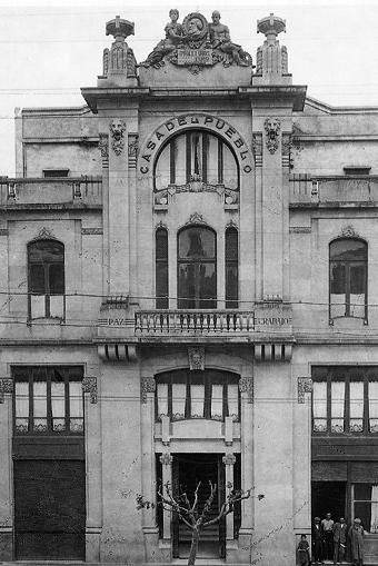 La Casa del Pueblo de Vigo, hoy desaparecida, como tantas otras obras realizadas en Vigo por José Araújo. En este caso sobre un proyecto de Manuel Gómez Román