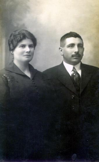 María del Carmen Durán Lusquiños (Tía Carmen), el día de su casamiento con José Benito López Fontán