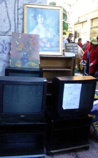 ¡Televisiones a 20 euros, oiga! (Oferta del Rastro, año 2010)