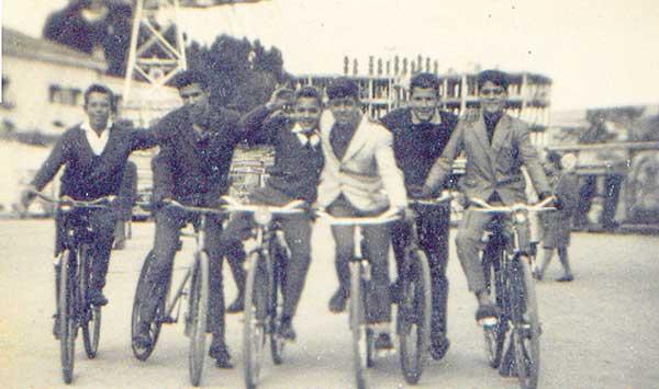 Ciclistas en la Feria del Frío de Cádiz